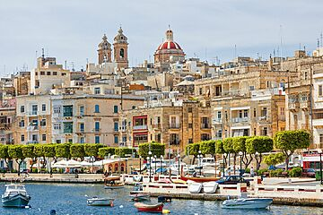How much did applicants obtain the citizenship of Malta in fact?, #2